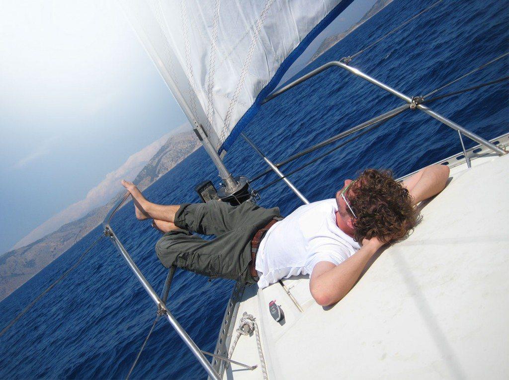 שייט ביאכטה במהלך פלוטילה ביוון - Blue Wave