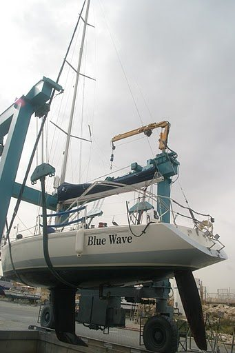 יאכטה בטיפול אנטיפאולינג - Blue Wave