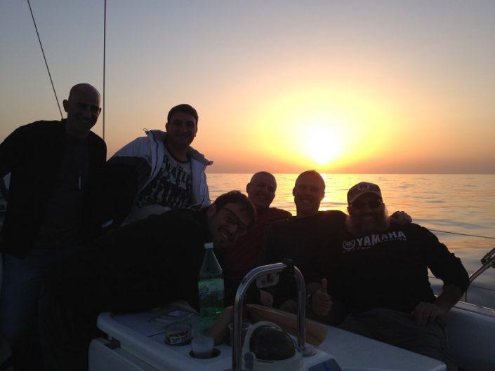 החיים הטובים - שקיעה בים