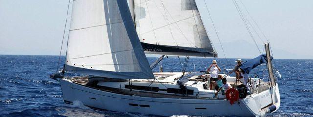 נועה - היאכטה החדשה של מועדון בלו ווייב בהפלגה ביוון
